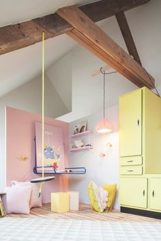 Kids room - Swing - Rafa-kids // pink and yellow Cool Swings, Pastel Room, Pastel Colors, Deco Kids, Indoor Swing, Kids Decor, Home Decor, Kid Spaces, Babies Rooms
