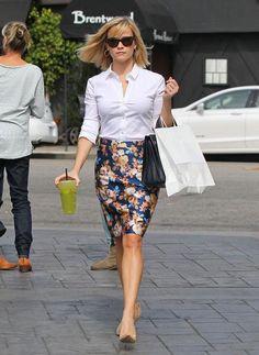 Reese Witherspoon saia lapis para baixinhas