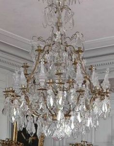 I would love a chandelier like this in my dining room French Chandelier, Antique Chandelier, Chandeliers, Chandelier Shades, Glass Chandelier, Chandelier Lighting, Country Chandelier, Chandelier Makeover, Luz Artificial