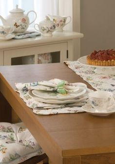 Lenox  Butterfly Meadow Quilted Table Linen Collection