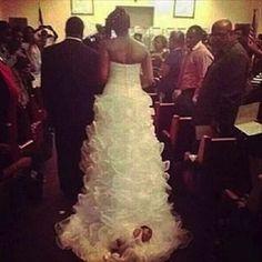 Si vous voulez avoir un beau mariage, surtout ne portez aucune de ces robes ! La 11 est vraiment atroce...