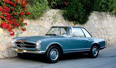 1967 Mercedes W113 230SL Pagoda