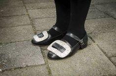 Schoenen met gesp. Beeld Niek Stam #Overijssel #Staphorst