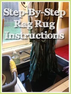 How to Make a Rag Rug, Step-by-Step using old sheets #upcycle #DIY #rug