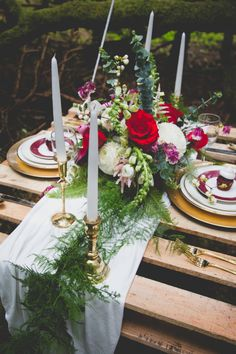 sweetheart table styled by Event Crush | flowers by Anastasia Floral | photo by Cat Dossett