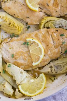 Healthy Lemon Artichoke Chicken - The Clean Eating Couple Lemon Artichoke Chicken, Artichoke Soup, Clean Chicken, One Pan Dinner, Roasted Vegetables, Healthy Chicken Recipes, Clean Eating, Paleo, Stuffed Peppers