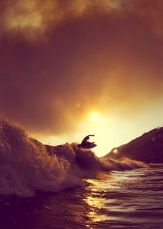 I can feel the rush just looking at this picture! #Surfing #Surflove
