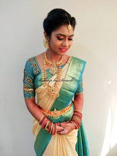 33 Ideas South Indian Bridal Makeup Braid Hairstyles - New Site South Indian Bridal Jewellery, Indian Bridal Sarees, Bridal Silk Saree, Indian Bridal Makeup, Bridal Beauty, Bridal Jewelry, Silk Sarees, Wedding Sarees, Blouse Designs Silk