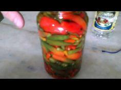 Como Fazer Conserva De Pimenta - MUITO FÁCIL !!!!!!!! - YouTube Pesto, Stuffed Peppers, Vegetables, Videos, Youtube, Diy, How To Make Chilli, Minced Beef Pie, Beverage