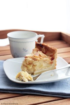Apple marzipan cake (in English at bottom of the page)