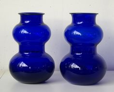 Hadeland- Medoc- To store blå vaser Glass Vase, Retro, Design, Home Decor, Blue, Decoration Home, Room Decor, Retro Illustration