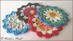 Natas Nest - crochet coasters - free pattern in German and English
