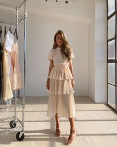 Fashion Dresses Love this pretty blush tiered midi dress. Muslim Fashion, Modest Fashion, Fashion Dresses, Korean Fashion, Cute Dresses, Beautiful Dresses, Casual Dresses, Mode Outfits, Dress Outfits