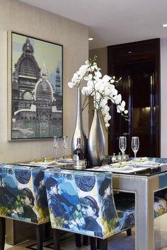 戴昆--居其美业设计,上海闸北。象屿名邸... Dinning Table, Dining Area, Rustic Kitchen Chairs, Luxury Dining Room, Dining Rooms, Wall Decor Pictures, Blue Home Decor, Beautiful Space, Bohemian Decor