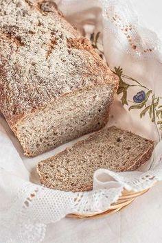 HEALTH   Hacer una tabla comparativa con los distintos tipos de panes (de centeno, de trigo, integral...) asi como las versiones en pan de molde