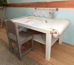"""Il faut vraiment que je me """"patente"""" une table de travail comme ça ! Pour les croquis ou pour les enfants!"""