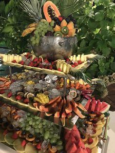 Il buffet finale.... opera d'arte dello chef #angeloricevimenti #catering #cateringforweddings #nozze #matrimonio Angelo, Chef, Buffet, Opera, Painting, Opera House, Buffets, Painting Art, Paintings
