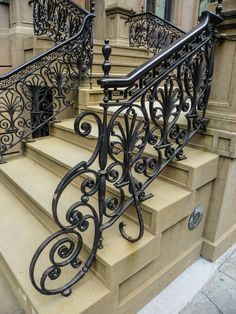 New wrought iron stairs railing staircase design 22 ideas Staircase Metal, Luxury Staircase, Staircase Railings, Staircase Design, Iron Handrails, Wrought Iron Stair Railing, Balustrades, Balcony Railing Design, Beautiful Stairs
