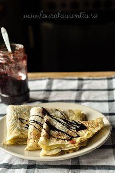 Clătite de post cu apă minerală, rețetă simplă, vegană, un desert popular și ușor de făcut. Clătite de post rețeta gata în câteva minute pe care poți s-o servești cu gem sau alte umpluturi după dorință. Romanian Food, Deserts, Food Porn, Favorite Recipes, Cakes, Drink, Ethnic Recipes, Per Diem, Cake Ideas