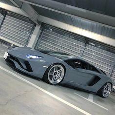 Lamborghini Adventador..