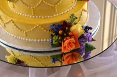 The 173 Carlyle House, Norcross GA...LOVE the wedding cake.