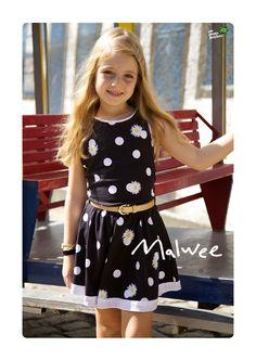 As princesinhas ficam um charme só com esse vestidinho lindo que mescla poá com margaridas! #malwee #makingof #primavera #lookdodia