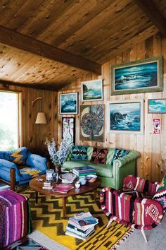 Great themed art wall- seascape paintings.