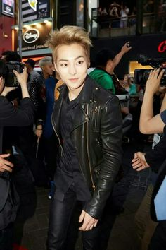 Baby baozi is one handsome guy. I hope he gets into acting soon. I really enjoyed watching him in Jin's MV.