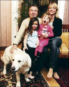Karel Gott s rodinkou Gott Karel, Mustang, Music Videos, Celebrity, Celebs, Couple Photos, Couples, Families, Woman