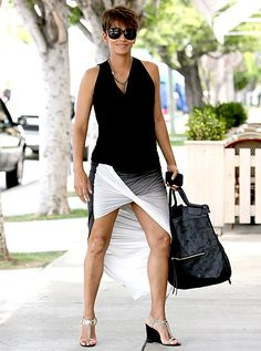 Halle Berry: Twisted Legs at Fig & Olive!: Photo Halle Berry is sexy twisted while arriving for a lunch at Fig & Olive on Sunday (June in West Hollywood, Calif. Casual Maternity, Maternity Fashion, Halle Berry, Fashion Models, Fashion Outfits, Womens Fashion, Style And Grace, My Style, Afro