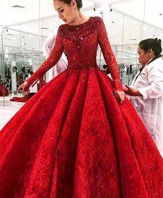 @michael5inco #couturedress #hautecouture #hautefashion #redbigdress #colorful #catwalk #beautifulday #weddingday #happybirthday #holiday #partydress #embroidered #bridal#bridalshower #bridalgown #bridesmaids #bridetobe #bride#amazingdress #design #couture #stylish #style #trendy