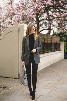 Aleatórios fashion: blazer cinza. Blusa preta de gola alta, casaco cinza mescla, calça preta, bota over the knee