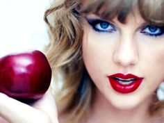 Taylor Swift Changes the Music Industry with an Open Letter to Apple