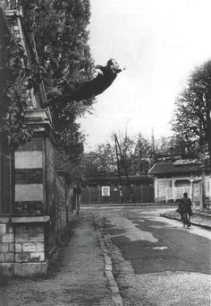 Ives Klein, Le salut dans le vide 5, 1960
