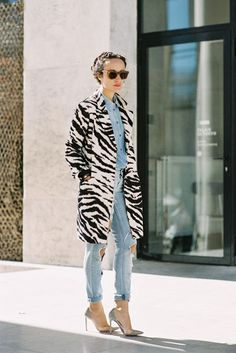 {Zebra print coat and destroyed denim} I Love Fashion, Fashion Week, Denim Fashion, Passion For Fashion, Fashion Show, Fashion Trends, Paris Fashion, Fashion Styles, Street Fashion
