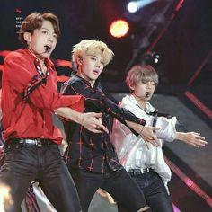 The Maknae Line is so pretty Vkookmin . Jimin Jungkook, Bts Bangtan Boy, Taehyung, Jimin Black Hair, Hip Hop Bands, Sink Or Swim, Bts Maknae Line, Army Love, Bts Korea