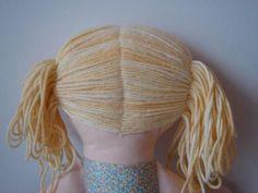 How to make Rag Dolls hair with yarn, rag or mohair - Diy Doll Hair Yarn Dolls, Fabric Dolls, Crochet Dolls, Diy Yarn Doll Hair, Diy Doll Wig, Dolls Dolls, Homemade Dolls, Doll Wigs, Sewing Dolls