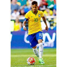 Brasil 1 vs 0 Costa Rica ⚽️. Foi em 2015.  Agora a #SeleçãoBrasileira, com o #SuperCraqueNeymarJr, jogarão no dia 25-03-2016. Em Pernambuco.  Saúde e boa sorte, #SeleçãoBrasileira.