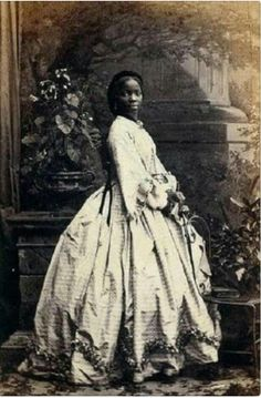 Photographed by Camille Silvy, Sarah Forbes Bonetta Davies. Photographed by Camille Silvy, 1862 ⚐ Suzanne Magisa I found this interesting: Lady Sarah Forbes Bonetta Davies (photographed by Camille Silvy, Women In History, Black History, Ancient History, Reine Victoria, Foto Real, My Black Is Beautiful, Beautiful Pictures, Rare Pictures, Interesting History