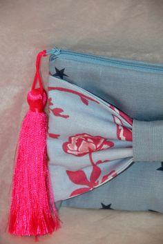 Les pochettes de l'atelier Vanille et Vega sont en vente dans la boutique en ligne. Il y a deux formats de pochettes : longues et carrées.