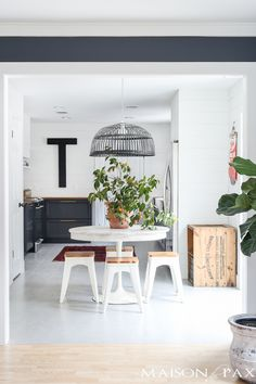 Love that modern farmhouse style? See how these homeowners took a fixer upper and gave it a crisp, modern makeover. So many great ideas and DIY projects!