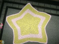 Mostly Crochet: Sophia's (Twinkle Twinkle) Little Star shaped Baby blanket - Free Pattern