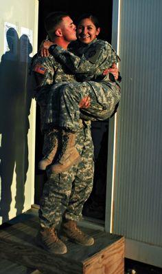 dual military couple <3 HELLLLL YAAAA! Gonna be me
