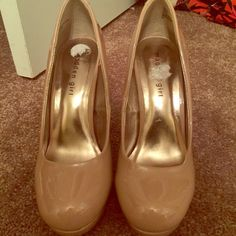 Madden Girl Nude Heels Worn once or twice. Madden Girl Shoes Heels
