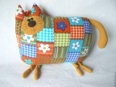 Коты. Коты и кошки. Котик. Прикольный кот. Кот в подарок. Оригинальный подарок. Мягкая игрушка кот. Кот из ткани. Кот ручной работы купить. Кот авторская игрушка. Пэчворк.
