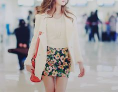 floral skirt. Love it <3