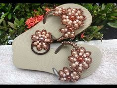 Chinelo Customizado Com Flor de Perolas NUDE - Maguida Silva - YouTube