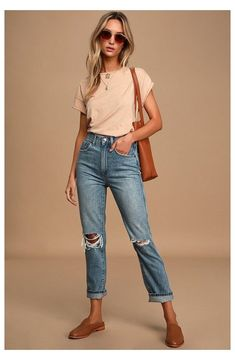 Outfit Jeans, Cropped Jeans Outfit, Straight Cut Jeans Outfit, Crop Jeans, Boyfriend Jeans Outfit Summer, Knee Cut Jeans, High Waisted Cropped Jeans, Dress Up Jeans, Cuffed Jeans