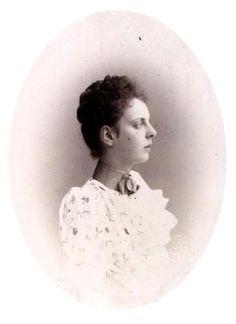 Княжна Ольга Константиновна Белосельская-Белозерская (1874—1923), в замужестве за князем Орловым.