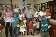 MIP entregan RD$2.1 MM a familiares de policías caídos en cumplimiento de su deber